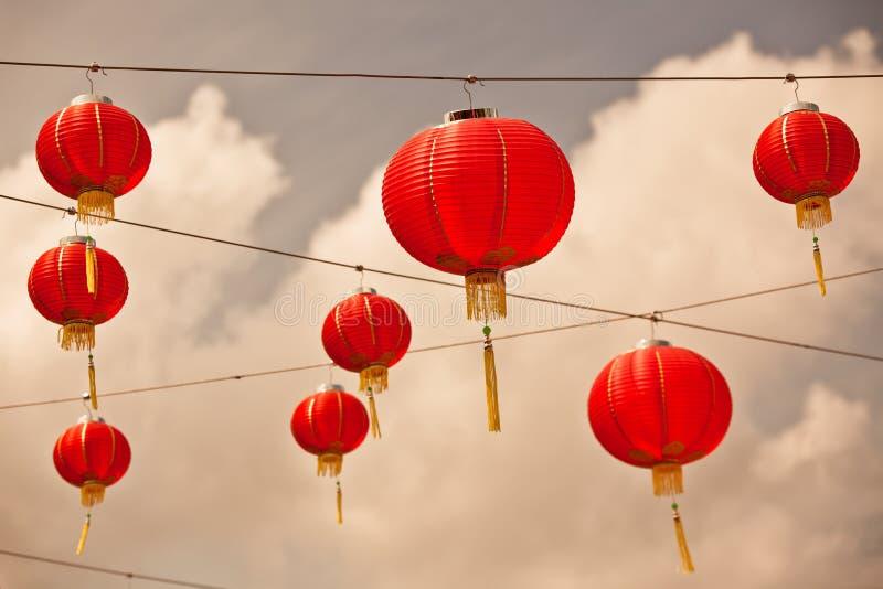 Linternas de papel chinas rojas imagen de archivo