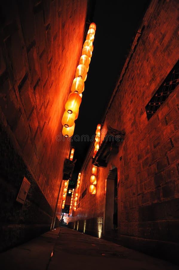 Linternas rojas en un Hutong foto de archivo libre de regalías