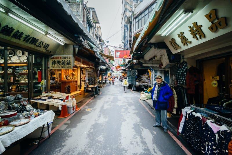 Linyi gata, i det Zhongzheng området, Taipei, Taiwan fotografering för bildbyråer