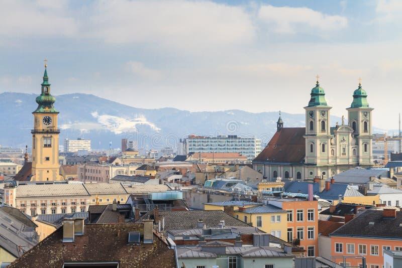 Linz, opinión sobre la ciudad vieja, Austria foto de archivo