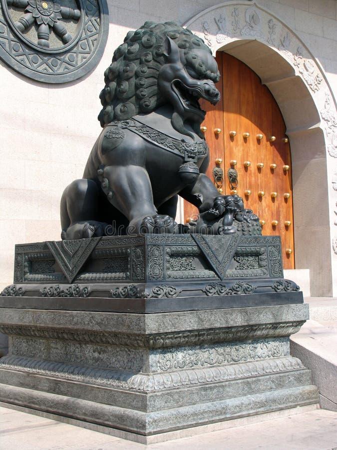 Lion chez Jing un temple images stock