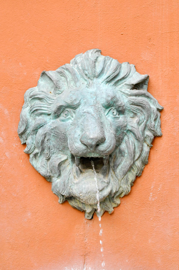 Lion de fontaine photographie stock
