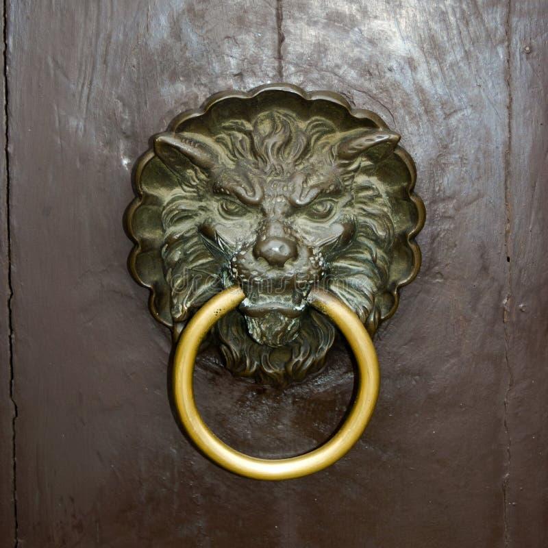 Lion de heurtoir de trappe