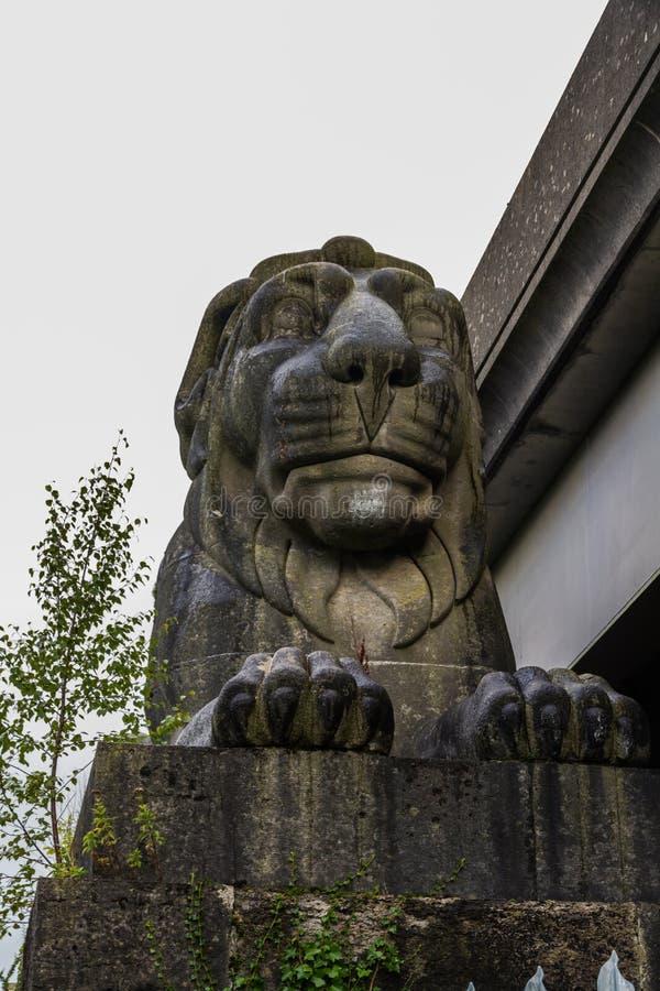 Lion en pierre, une partie de pont de Brittania, Pays de Galles photographie stock