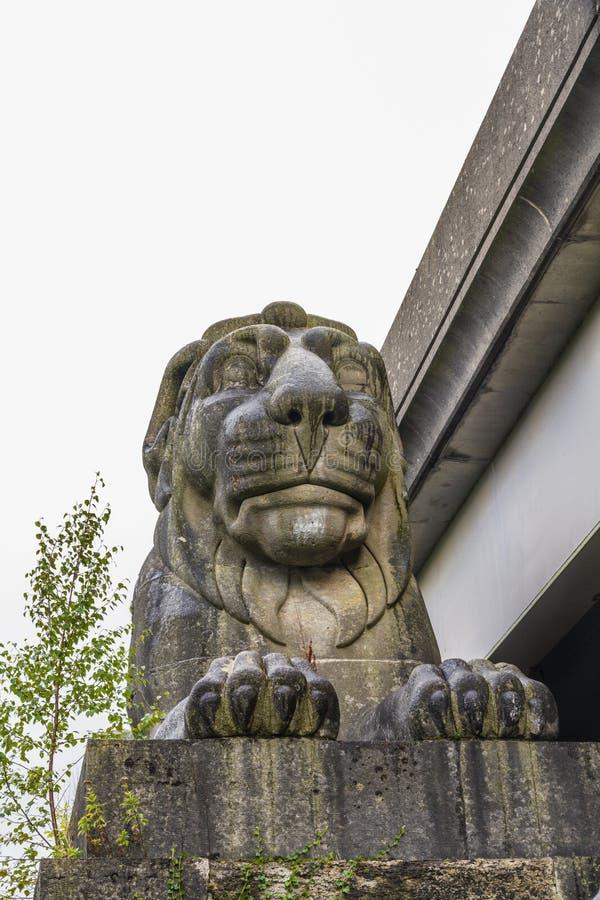Lion en pierre, une partie de pont de Brittania, Pays de Galles photo libre de droits