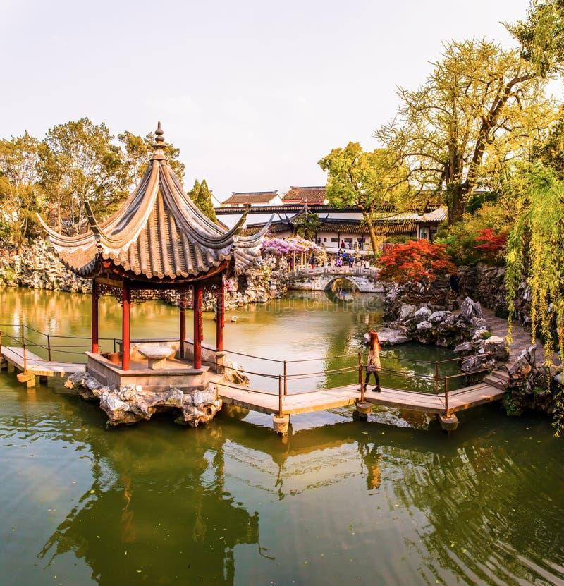 Lion forest garden one del giardino classico cinese nella for Giardino cinese