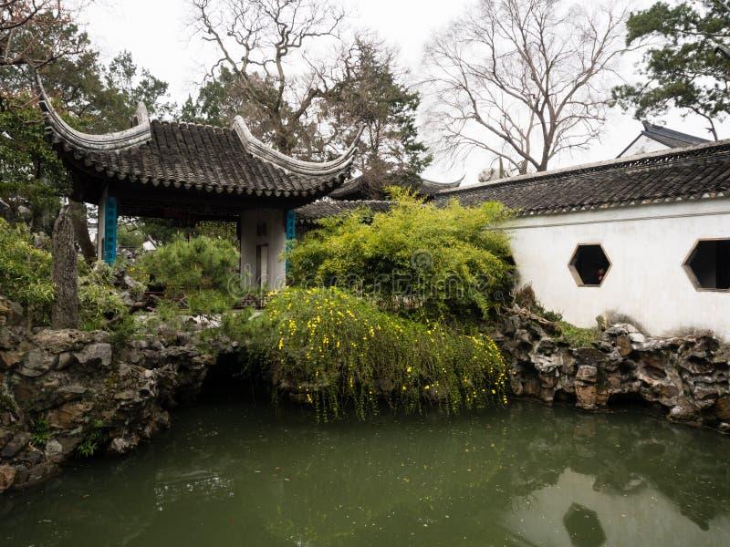 Lion Grove Garden, en klassisk kinesträdgård och del av Unesco-världsarvet i Suzhou arkivbilder