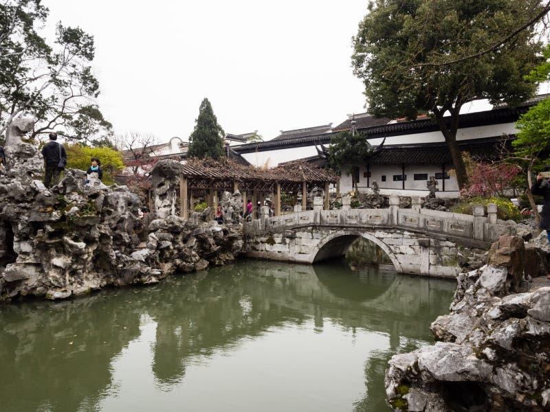Lion Grove Garden, un giardino cinese classico e parte del patrimonio mondiale dell'Unesco a Suzhou fotografie stock
