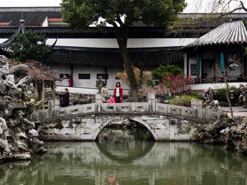 Lion Grove Garden, un giardino cinese classico e parte del patrimonio mondiale dell'Unesco a Suzhou fotografia stock