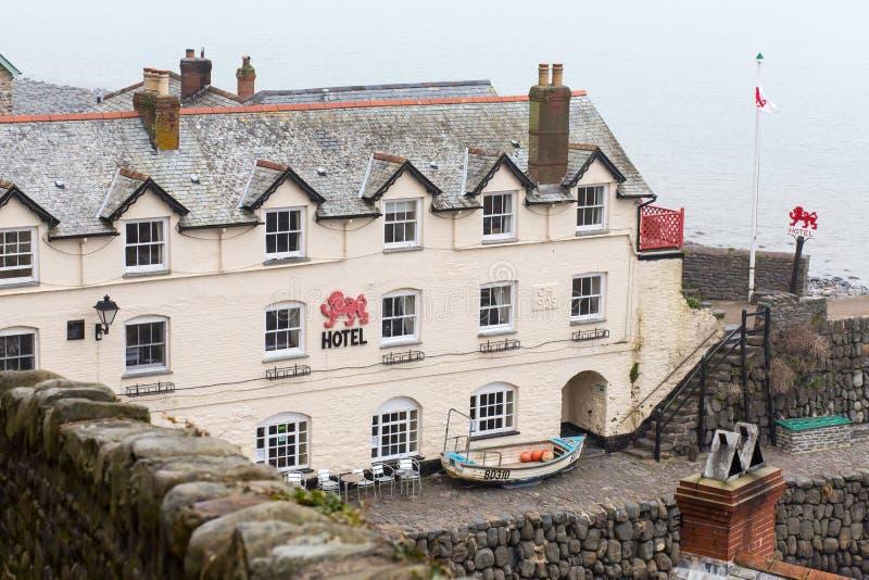 Lion Hotel rosso, Clovelly, Devon fotografie stock