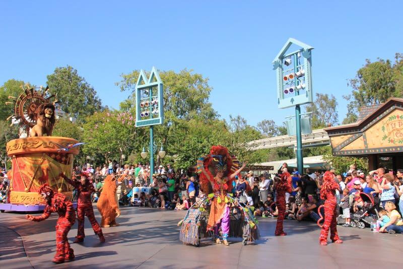 Lion King nella parata di Disney immagini stock