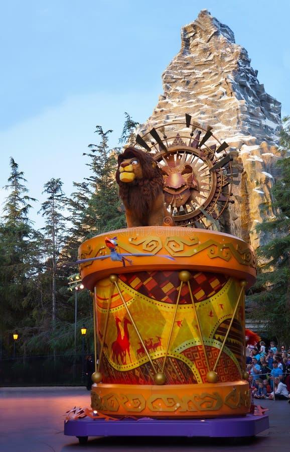 Lion King Parade Float in Disneyland l stock afbeelding