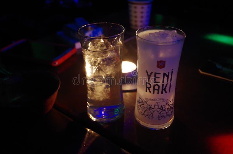Lion Milk - YENI RAKI, Turquia foto de stock royalty free