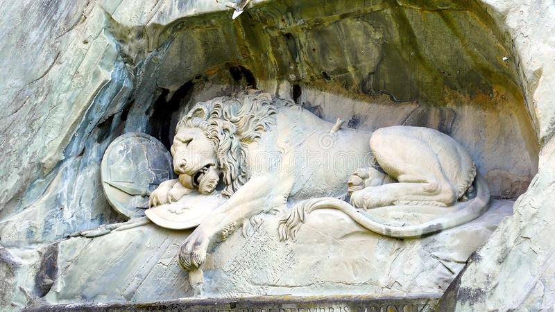 Lion Monument in de stad van Luzerne stock afbeeldingen