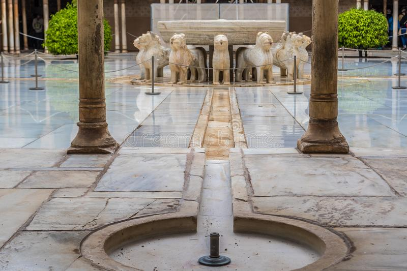 Lion Patio Patio de los Leone, Alhambra, Granada, a Andaluzia, Espanha fotos de stock