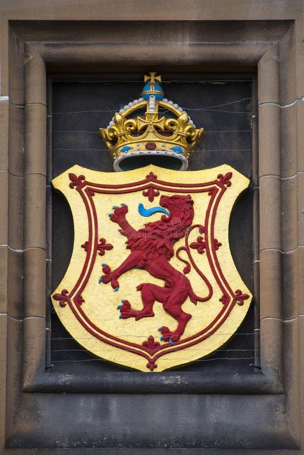 Lion Rampant Crest på Edinburgslotten royaltyfria foton