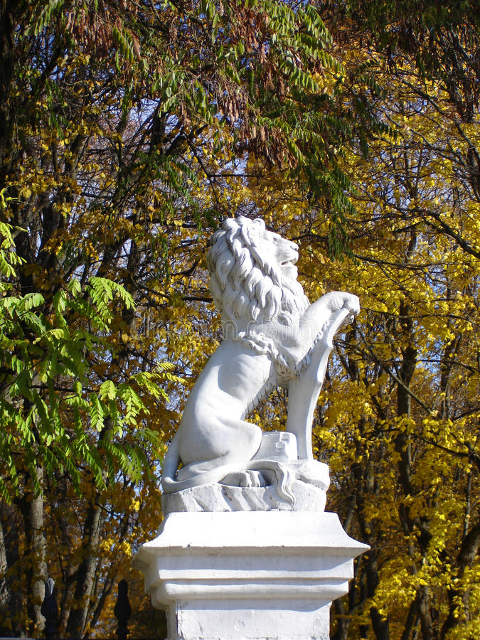 Download Lion Statue stock image. Image of statue, heraldry, leafs - 16641845