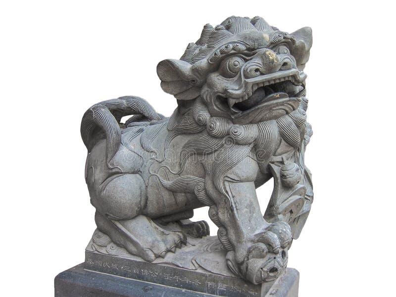 Lion Statue imperial chinês, pedra do leão do guardião, isolada no fundo branco imagens de stock royalty free