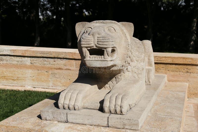 Lion Statue na estrada dos leões, Anitkabir, Ancara imagem de stock royalty free