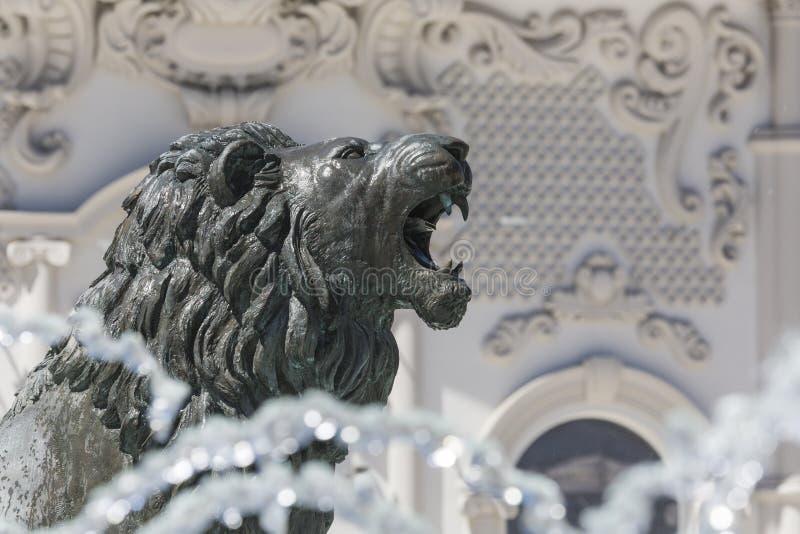 Lion Statue Skopje, Makedonien royaltyfria foton