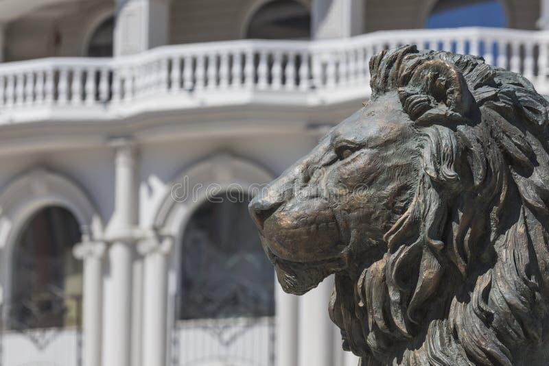 Lion Statue Skopje, Makedonien arkivbilder