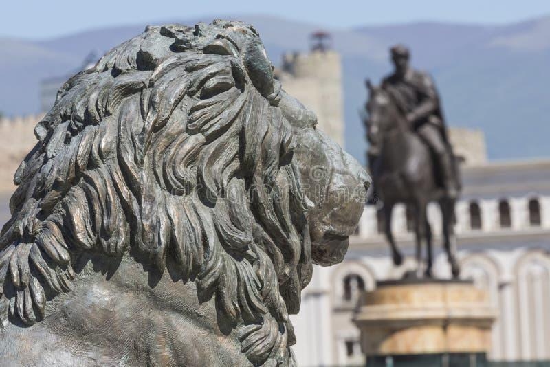 Lion Statue Skopje, Makedonien royaltyfri fotografi