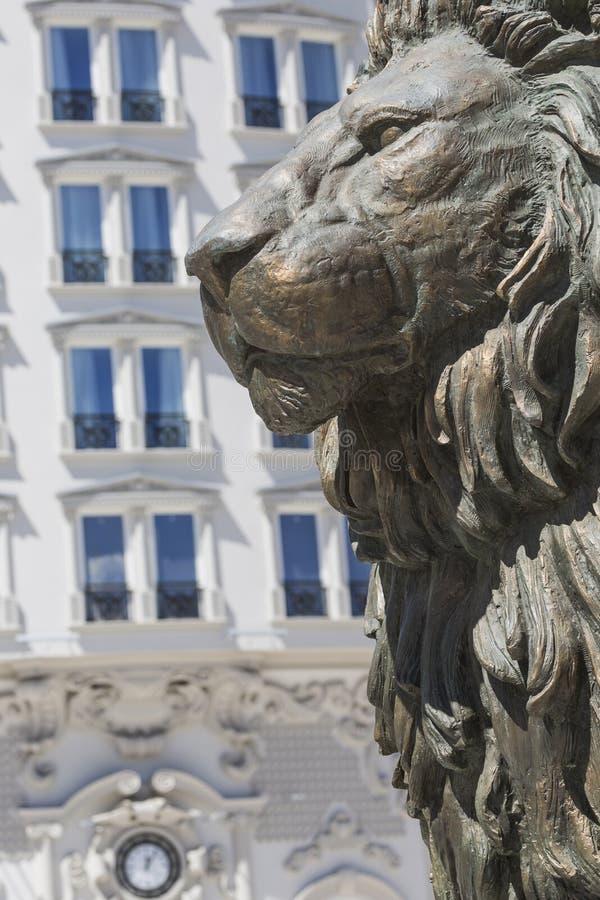 Lion Statue Skopje, Makedonien royaltyfria bilder