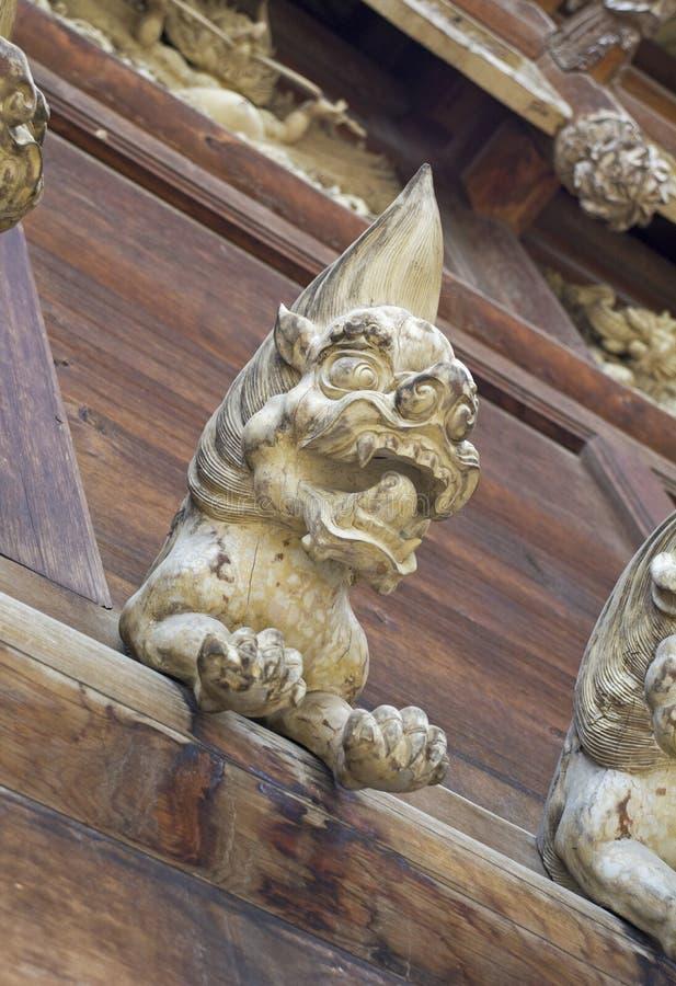 Lion Wood Carving lizenzfreies stockbild