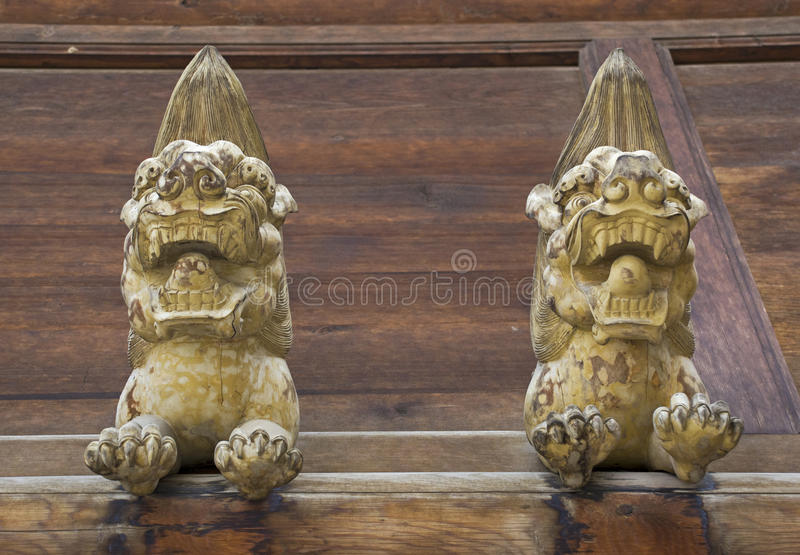 Lion Wood Carving images libres de droits
