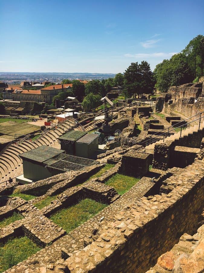 Lione, Francia Vista della zona archeologica del periodo antico sulla collina Fourviere fotografie stock libere da diritti