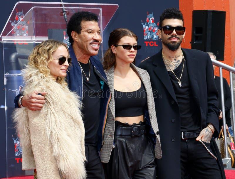Lionel Richie, Nicole Richie, Sofia Richie y Miles Richie foto de archivo