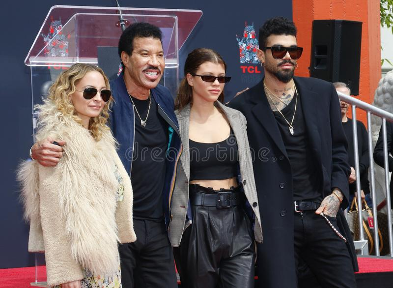 Lionel Richie, Nicole Richie, Sofia Richie y Miles Richie imágenes de archivo libres de regalías
