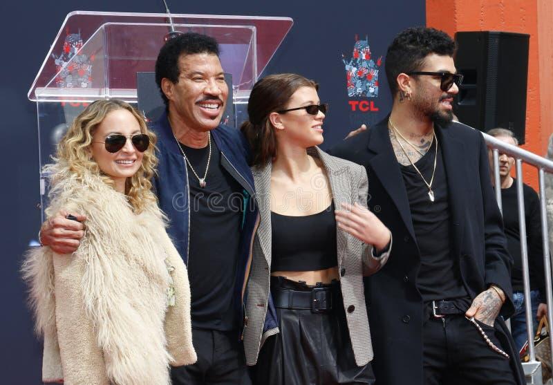 Lionel Richie, Nicole Richie, Sofia Richie y Miles Richie fotos de archivo