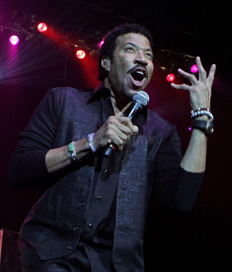 Lionel Richie utför i konsert royaltyfria foton