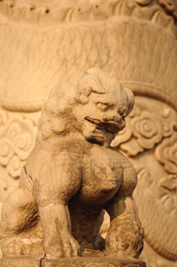 Lions chinois de gardien - lion en pierre photo libre de droits
