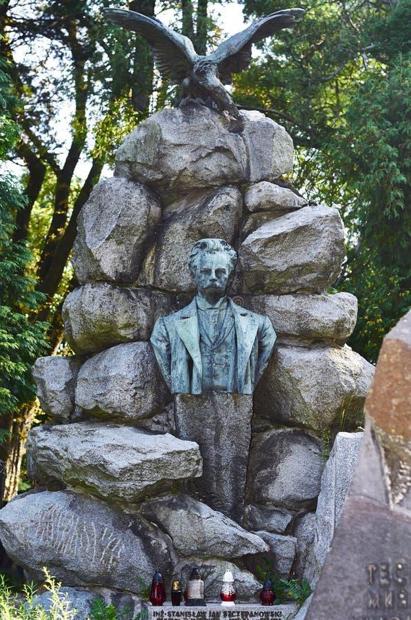 lions Lviv kyrkogård John Franco - ukrainsk poet och författare royaltyfria foton