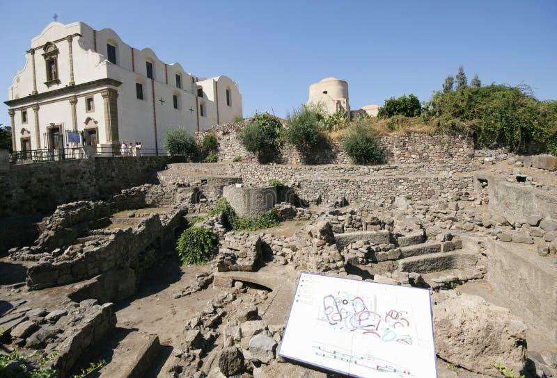 Lipari - archäologisches Flächen stockfotografie