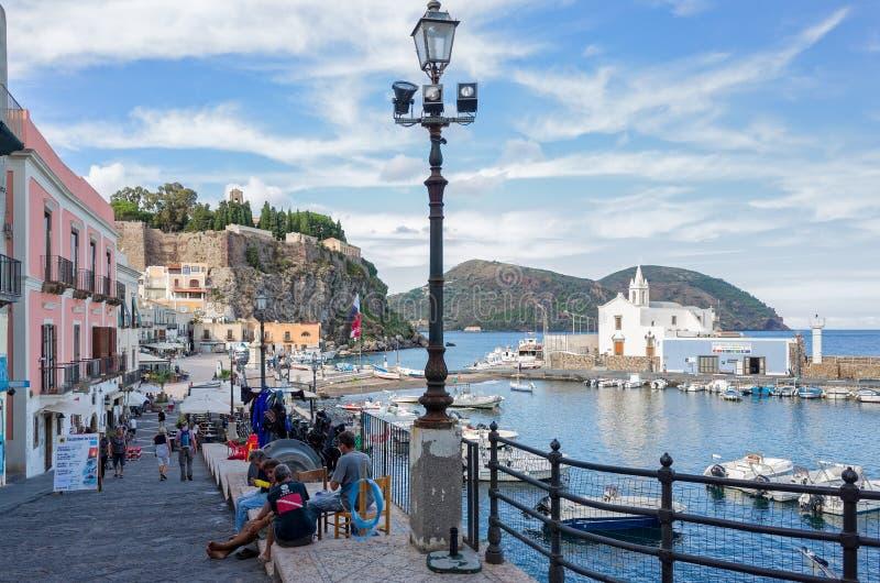Lipari - eoliska öar, Italien royaltyfria bilder