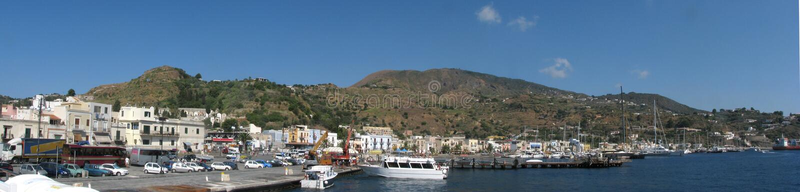 - Lipari wyspy panoramy schronienie Messina, Sicily, Włochy - zdjęcie stock