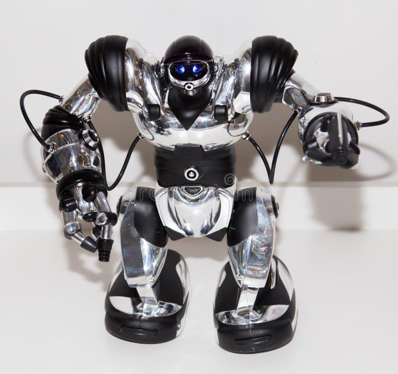 Lipetsk, Federação Russa 16 de janeiro de 2018: Robô modelo na exposição dos robôs na cidade de Lipetsk fotos de stock royalty free