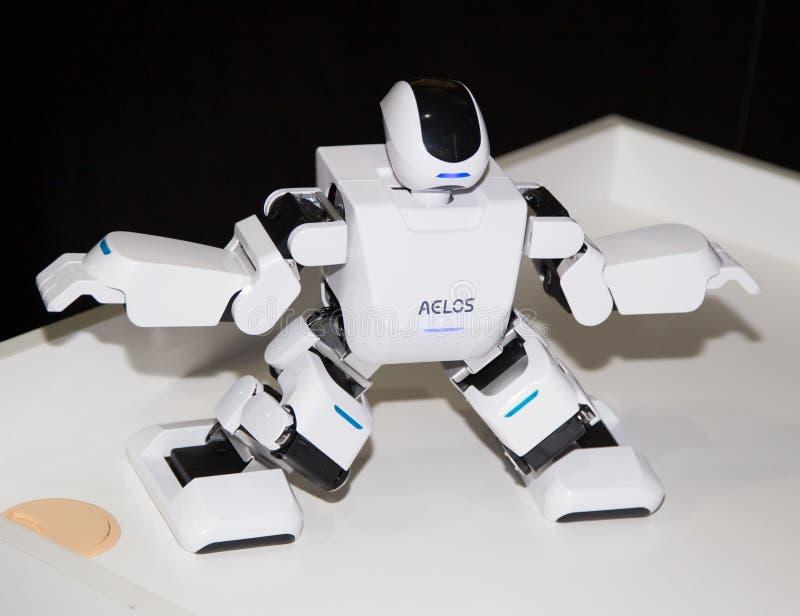 Lipetsk, Federação Russa 16 de janeiro de 2018: Robô modelo na exposição dos robôs na cidade de Lipetsk imagem de stock