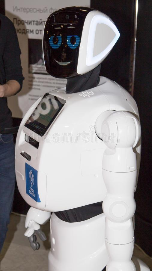 Lipetsk, federacja rosyjska Styczeń 16, 2018: Wzorcowy robot przy wystawą roboty w mieście Lipetsk fotografia royalty free