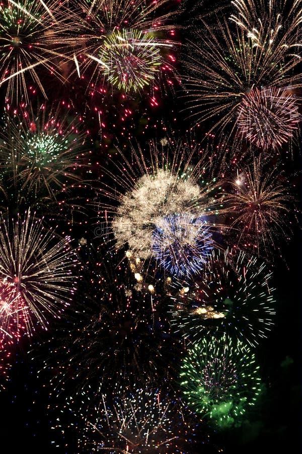 Lipiec 4th i nowy rok wigilia fajerwerków Wakacyjnego pokazu obrazy royalty free