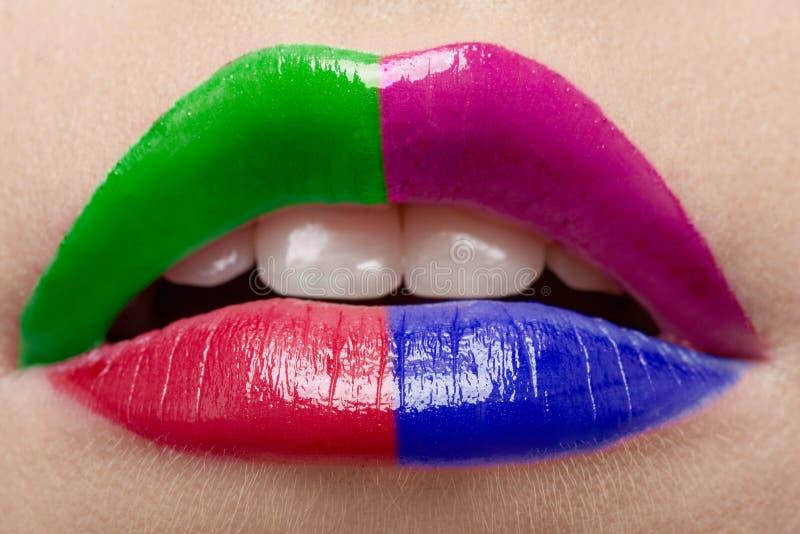Lippen des schönen Mädchens stockfotos