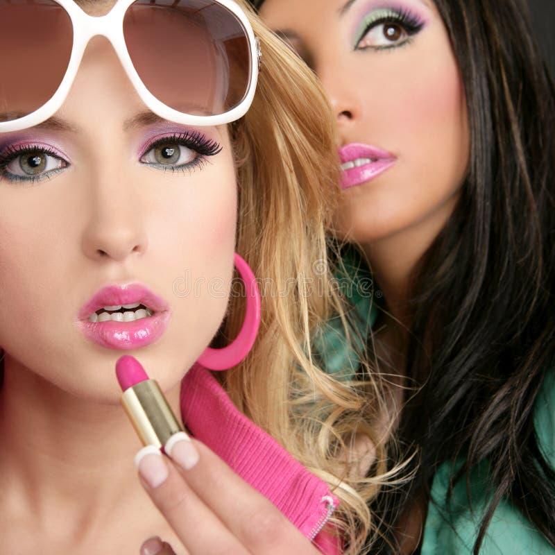 Lipstip dentellare delle ragazze di stile della bambola del barbie di modo immagine stock libera da diritti