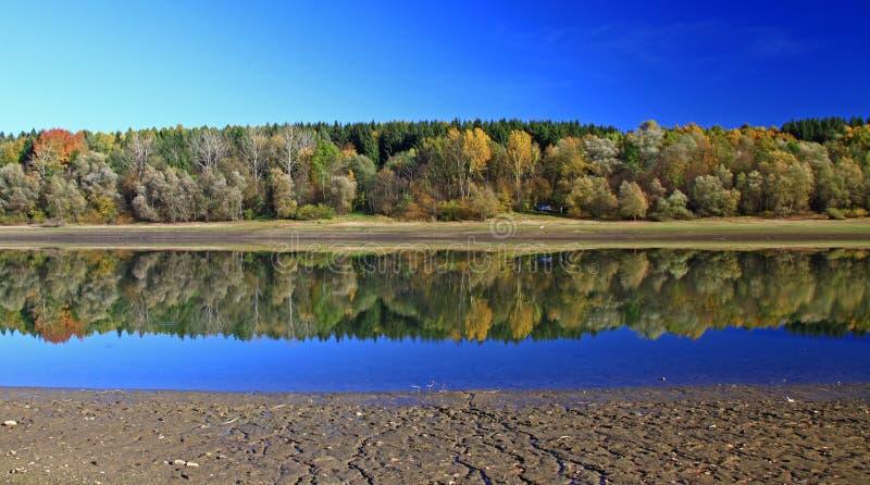 Download Liptovska Mara arkivfoto. Bild av damm, clear, färgrikt - 27283380