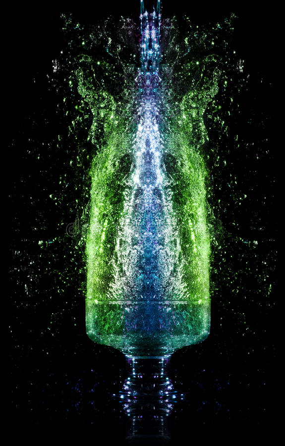 Download Liquid Falling Down Into The Glass Stock Image - Image: 17909595