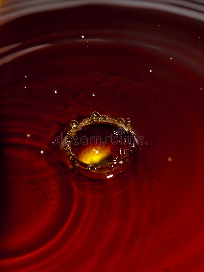 Liquide rouge photographie stock