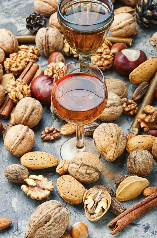 Liquore di nocciola d'autunno fotografie stock