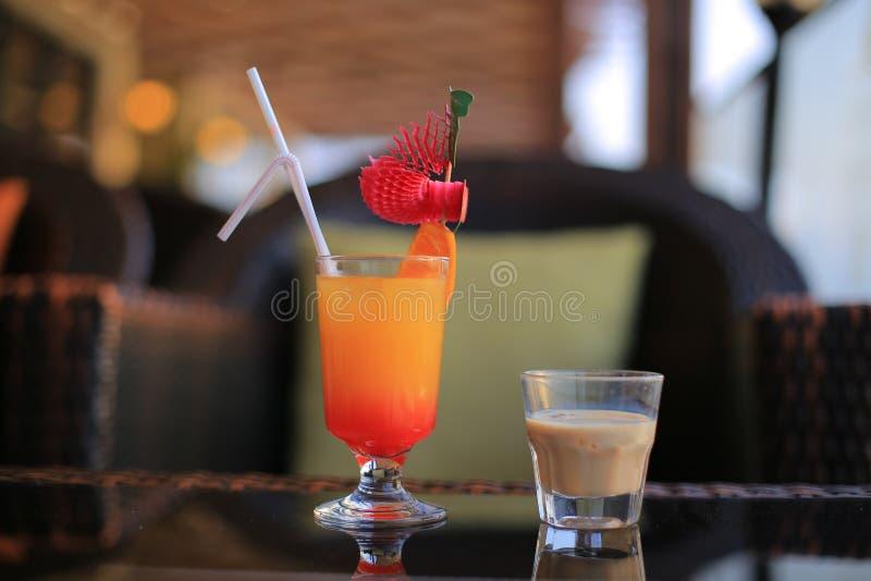 Liquore e cocktail di Baileys immagini stock